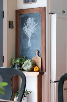 idea for that narrow space along the side of the double oven in kitchen #chalkboard