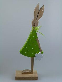 Osterhasen - Figur aus Holz - Hase oder Häsin - ein Designerstück von mw-holzkunst bei DaWanda