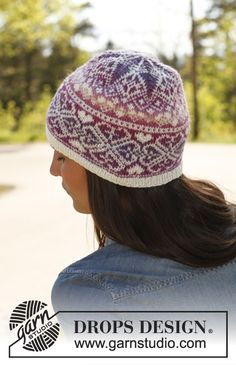 "Montreal - Knitted DROPS hat with pattern in ""Delight"" and ""Fabel"". - Free pattern by DROPS Design Fair Isle Knitting Patterns, Knit Patterns, Double Knitting, Free Knitting, Tejido Fair Isle, Knit Or Crochet, Crochet Hats, Norwegian Knitting, Drops Design"