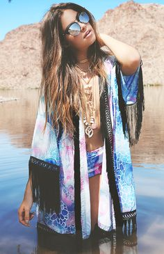 Bohemian style poncho outfit. For more follow www.pinterest.com/ninayay and stay positively #pinspired #pinspire @ninayay