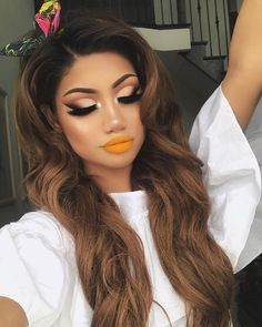 """When I think of summer, I think of yellow 🌻 Lips: lip palette """"primary Eyes: rose gold palette (sandalwood, henna, cocoa, black truffle in the crease/outer corner & bae on the lid"""" Lashes: """"ALINA"""" by """"Nylon"""" in inner corners and used as a face highlight Huda Beauty, Beauty Makeup, Eye Makeup, Beauty Skin, Flawless Makeup, Gorgeous Makeup, Makeup Goals, Makeup Tips, Makeup Ideas"""