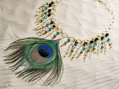 Surprisingly easy necklace with serious WOW factor! Click pic for full instructions.