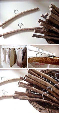twig hangers - Kleiderbügel aus Ästen