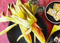 Majs på grill - Opskrift på sprøde grillede majs | Sæson.dk Tapas, Grilling, Vegetables, Food, Red Peppers, Eten, Meals