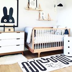 Beautiful minimalistic nursery, with the Miniwilla poster anf the Oyoy mat…