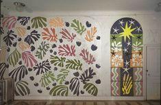The development of The Parakeet and the Mermaid on the walls of Henri Matisse's studio at the Hôtel Régina, Nice, 1952 Henri Matisse, Matisse Kunst, Matisse Art, Matisse Cutouts, Pencil Design, Temporary Wallpaper, La Art, French Artists, Public Art