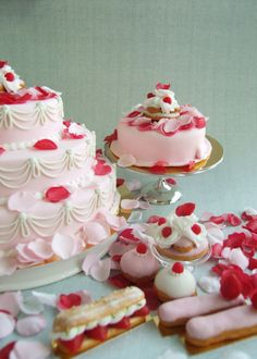 Marie Antoinette cakes and pastries