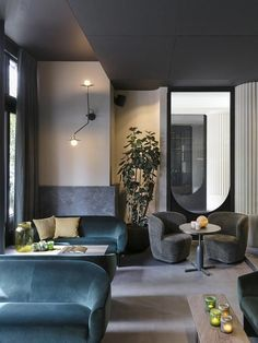 Following the success of Hotel Bachaumont, fashion magnate Samy Marciano has finally opened his second property in a Hausmannian chunk on rue Saint Martin, where neighbourhoods Sentier and Le Marais meet. Designed by Raphael Navot – the man behind Dav...