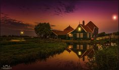 Famous...  This must be one of the most photographed houses in the Netherlands. It's part of the Zaanse Schans by Herman van den Berge on 500px.