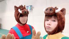 """となりの坂田。@浦島坂田船 on Twitter: """"うらさかキングダムのコンセプトってなんだっけって思う撮影して来た… """" Kaito, Hatsune Miku, Dinosaur Stuffed Animal, Face, Anime, Manga, Sleeve, Anime Shows, Manga Comics"""