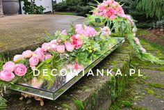 Nowoczesne kompozycje nagrobne z pracowni Decowianka.pl Funeral, Floral Wreath, Wreaths, Home Decor, Floral Crown, Decoration Home, Door Wreaths, Room Decor, Deco Mesh Wreaths