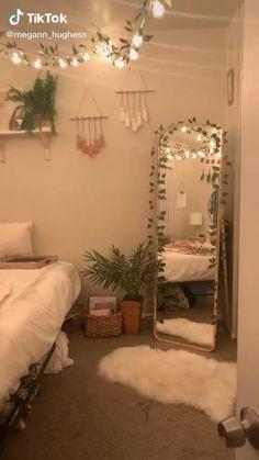 Cute Bedroom Decor, Room Design Bedroom, Room Ideas Bedroom, Girls Bedroom, Cheap Room Decor, Bedroom Ideas For Small Rooms For Teens, Diy Room Ideas, Cozy Teen Bedroom, Teen Bedroom Makeover