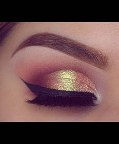 Wish you could recreate that flawless eye makeup look you pinned last week? See your top picks and get the tutorials here Foundation For Oily Skin, No Foundation Makeup, Best Foundation, Eye Makeup Steps, Makeup Tips, Beauty Makeup, Makeup Tutorials, Iridescent Eyeshadow, Wine Bottle Candles