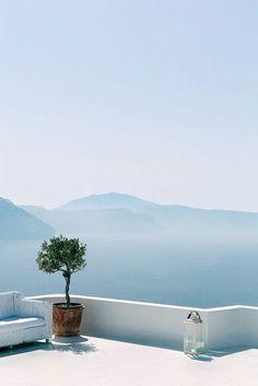SUMMER WARDROBE INSPIRED BY GREECE
