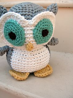 crochet owl.   Has pattern site listed also.  So cute