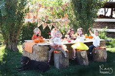 What A Great Outdoor Party Table Idea. Backyard Garden Landscape, Small Backyard Gardens, Large Backyard, Garden Pond, Backyard Bbq, Garden Trees, Fall Halloween, Halloween Party, Halloween Ideas