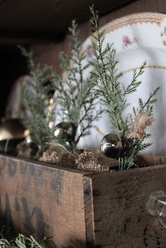 FRENCH COUNTRY COTTAGE: Use an old drawer centerpiece or hearth!