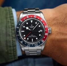 Una semana en la muñeca: The Tudor Black Bay GMT Tudor Black Bay, Mary Tudor, Sport Watches, Cool Watches, Watches For Men, Unusual Watches, Simple Watches, Popular Watches, Cheap Watches