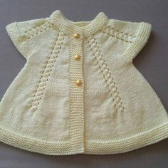 This Pin was discovered by Auš Baby Knitting Patterns, Baby Cardigan Knitting Pattern, Knitted Baby Cardigan, Knit Baby Sweaters, Knitting For Kids, Easy Knitting, Baby Patterns, Knit Stitches For Beginners, Jacket Pattern