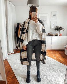 Street Style Outfits, Stylish Outfits, Fashion Outfits, Womens Fashion, Fall Winter Outfits, Autumn Winter Fashion, Textiles Y Moda, Look Zara, Mode Shoes