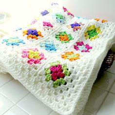 Crochet Granny Square Afghan, Easy Crochet Blanket, Crochet Quilt, Crochet Squares, Crochet Yarn, Granny Squares, Crotchet Patterns, Crochet Stitches Patterns, Manta Crochet