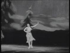 """""""Kopciuszek"""" Prokofiewa na moskiewskiej scenie. W partii tytułowej tancerka Teatru Wielkiego Raisa Struczkowa. Ten sam balet w paryskiej inscenizacji, ale także z udziałem radzieckiej solistki - Haliny Samsowej z Kijowa. Małą sensacją był występ córki Charlie Chaplina, Geraldiny w epizodzie Azjatyckiej Księżniczki."""