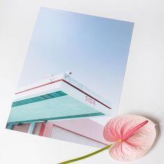 Plakat 30x40 Los Angeles in pink 01 fra @papercollective Designet av norske Mikal Strøm. En storby med rosa solnedganger og fargerike fasader. Dette bildet er fra en serie som handler om å gå seg bort i Los Angeles. OBS! Ramme følger ikke med.  @adrianpedersen #gjørnoenglad #unikehjem #papercollective Instagram, Design, Photo Illustration, Design Comics