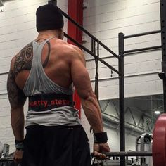 This is the place that all my stressors in life are relieved and any worry or doubt is left in sweat on the bench.  #dedication #vulcanathletics #fitfam #motivation #gaintrain #naturalbodybuilding #nattymuscle #gym #gymfreak #fitness #fitfreak #diet #shredz #fitfam #npc #physique #ifbb #aesthetics #isymfs  #beastmode #alphaasfuck  #flexfriday #aesthetic #bulk #gnc #swoldier #nodaysoff #militarymuscle #ironaddict #iworkouttoeat by natty_steve