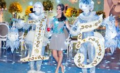 Um Festa Clássica na Decoração Mas com Pegada Moderninha Nas Atrações. A Manu Escolheu a Cor Azul Para dar Vida ao Sonho do Seu Aniversário de 15 Anos!