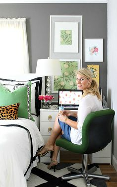 Bliss at Home 2015 Summer Home Tour Small space solution: Make an office nook with an old writing desk. Just paint and add new hardware. Doubles as a nightstand in a bedroom. Bedroom Office Combo, Office Nook, Guest Room Office, Bedroom Desk, Home Office Space, Home Bedroom, Master Bedroom, Daybed Room, Ikea Office