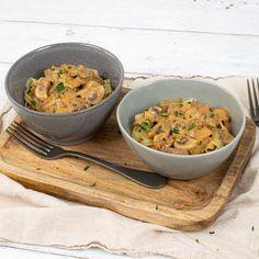 Découvrez la recette du boeuf Stroganoff à réaliser avec votre robot Cooking Chef expérience Kenwood équipé du mélangeur. Un stroganoff crémeux traditionnel aux champignons, relevé avec une touche de paprika fumé. Servir avec du riz ou des pâtes pappardelle. #kenwood #kenwoodfrance #cookingchefexperience #cooking #boeufstroganoff #boeuf #recettefacile #recettesimple #plat #inspirationfood #sauce #food #faitmaison #cuisine #gourmand #chef #champignons