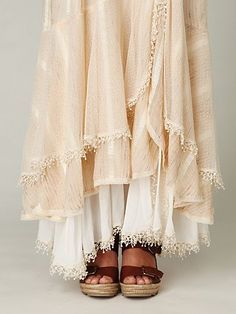love the layers. need to make petticoats to wear under my skirts.