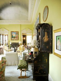 Mario Buatta's New York Apartment..