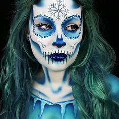 Simple face painting designs are not hard. Many people think that in order to have a great face painting creation, they have to use complex designs, rather then Yeux Halloween, Halloween Makeup Sugar Skull, Looks Halloween, Sugar Skull Makeup, Sugar Skulls, Candy Skulls, Elsa Halloween, Sugar Skull Face Paint, Halloween Halloween