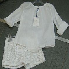 Piccola Ludo completo bimba composto da blusa in cotone e shorts in pizzo => http://goo.gl/4OL2GP  Piccola Ludo cotton white shirt and lace shorts => http://goo.gl/MGa0cu