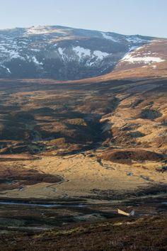 Schottisch Ronchamp - Schutzhütte in den Highlands von Moxon Architects