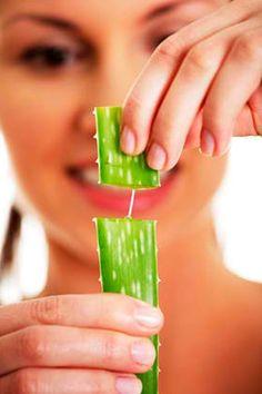 Trucos caseros para evitar la caída del pelo --> http://www.cosmopolitantv.es/noticias/2113/trucos-caseros-para-evitar-la-caida-del-pelo