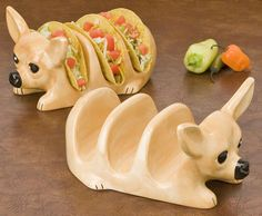 Make taco night at your home an entertaining event full of color and character with this Tito Chihuahua Taco Holder Set.