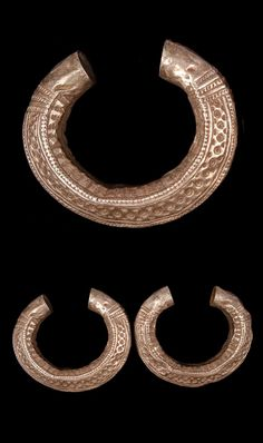 Laos | Pair of bracelets from the Khmou people, of Luang Prabang province; silver.  ca. early 20th century. // ©Quai Branly Museum. 71.1939.40.20.1-2
