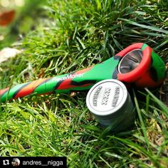 @andres__nigga  Les presnto al nuevo integrante de la famila  @en_vola @piecemakergear #konjurer  Blaze your own trail. # #piecemakergear.com #piecemaker #blazeyourowntrail #byot #cañamo #expoweed #puentealto #chile #santiago #outdoorretailer #orshow #vivachile #piecemakergearsouthamerica  #marihuana #marijuana #bong #420 #stoner #envola #chilegram #cogollo #pipa #piecemakerla #stonersofinstagram #cannabischile #scl #montevideo  #chileweed  @en_vola @quema_smokeshop @astro_smokeshop