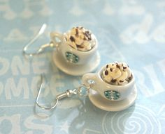 These earrings feature a pair of miniature Starbucks Coffee cups topped with whipped cream. Each miniature coffee cup measures cm in diameter and is securely attached to a silver tone hook. Funky Earrings, Unique Earrings, Dangle Earrings, Cute Jewelry, Jewelry Accessories, Crea Fimo, Cute Clay, Starbucks Coffee, Clay Charms