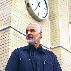 Hazrat Imam Hussain, Qasem Soleimani, Islamic Paintings, Major General, Real Hero, Revolutionaries, Men Casual, Workout, Medium
