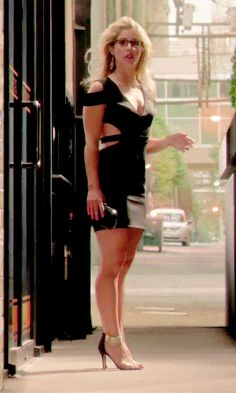 little black dress classic short bachelorette party classy lace cocktail night outfit bodycon club curvy tight fit Emily Rickards, Emily Bett Rickards Bikini, Arrow Felicity, Felicity Smoak, Sexy Legs And Heels, Great Legs, Hot Blondes, Hot Actresses, Beautiful Legs