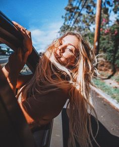 Bye haters good vibes photography, summer pictures ve summer Cute Instagram Pictures, Cute Poses For Pictures, Instagram Pose, Summer Pictures, Summer Photography Instagram, Pinterest Photography, Car Pictures, Summer Picture Poses, Ideas For Instagram Photos