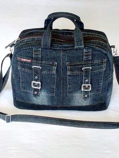 15 New Ideas sewing backpack pattern diy fabrics Fabric Tote Bags, Denim Tote Bags, Denim Purse, Tote Purse, Hobo Bag, Jean Purses, Purses And Bags, Denim Backpack, Backpack Pattern