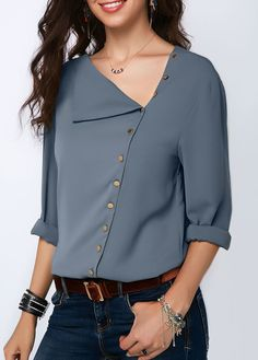 Stylish Tops For Girls, Trendy Tops, Trendy Fashion Tops, Trendy Tops For Women Blouse Styles, Blouse Designs, Mode Hijab, Blouse Outfit, How To Roll Sleeves, Trendy Tops, Mode Inspiration, Ladies Dress Design, Blouses For Women