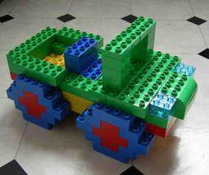 Hier siehst du ein Jeep aus LEGO® Duplo, der aus von BRICKaddict.de gefällt!