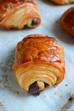 """Chocolate Croissants (Pain Au Chocolat) Flakey, buttery, delicious croissant dough filled with melty dark chocolate. A foolproof recipe for homemade """"Pain Au Chocolat"""". Croissant Dough, Croissant Pizza, Pillsbury Croissant, Nutella Croissant, Mini Croissant, Brunch, Chocolate Croissants, Chocolate Croissant Recipe Easy, Chocolate Muffins"""