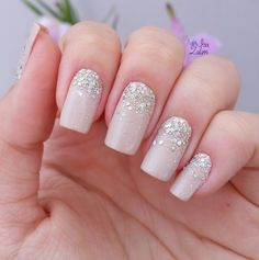 - unha chique nude com glitter para noiva Love Nails, Pretty Nails, My Nails, Homecoming Nails, Prom Nails, Homecoming Queen, Bridal Nails, Wedding Nails, Perfect Nails