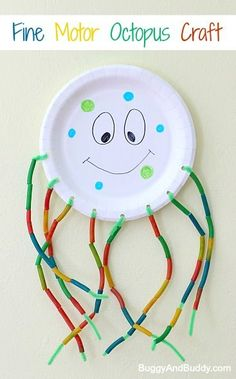 Paper Plate Octopus Craft: Fun fine motor activity for preschoolers and perfect for an ocean or sea life theme! ~ http://BuggyandBuddy.com